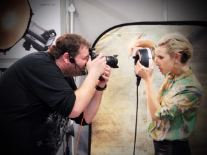 Frank Doorhof photographing a model on his session