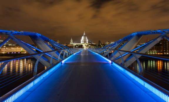 Millennium Bridge to St Pauls at 1.19am
