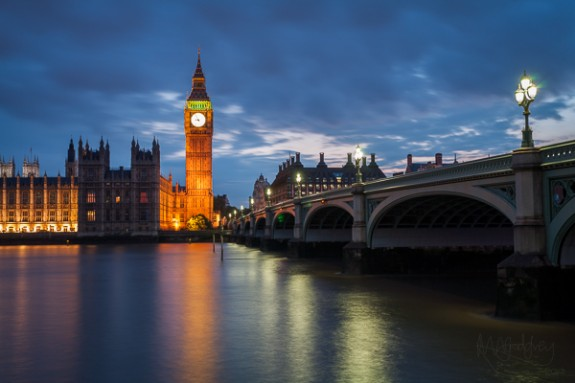 Westminster Bridge to Big Ben at Dusk